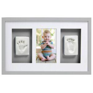 fotoram med fot och handavtryck