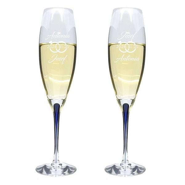 champagneglas med ingraverade ringar